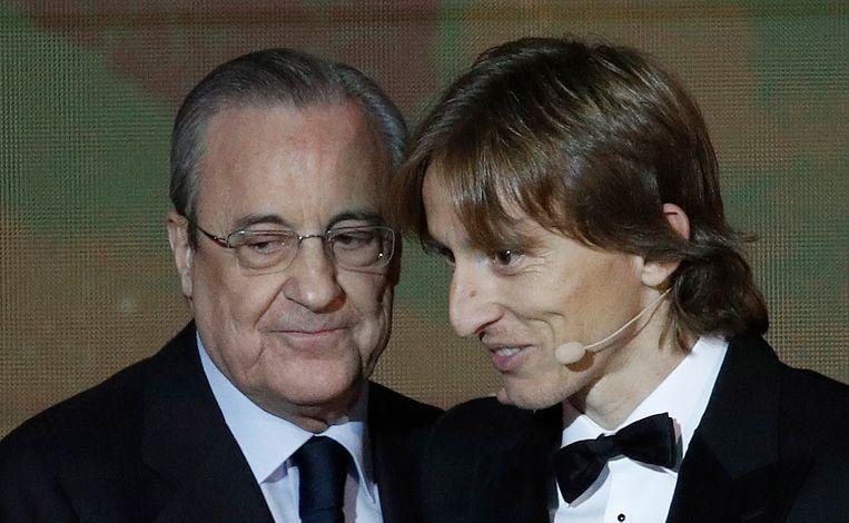 Modric met Real-voorzitter Florentino Pérez.