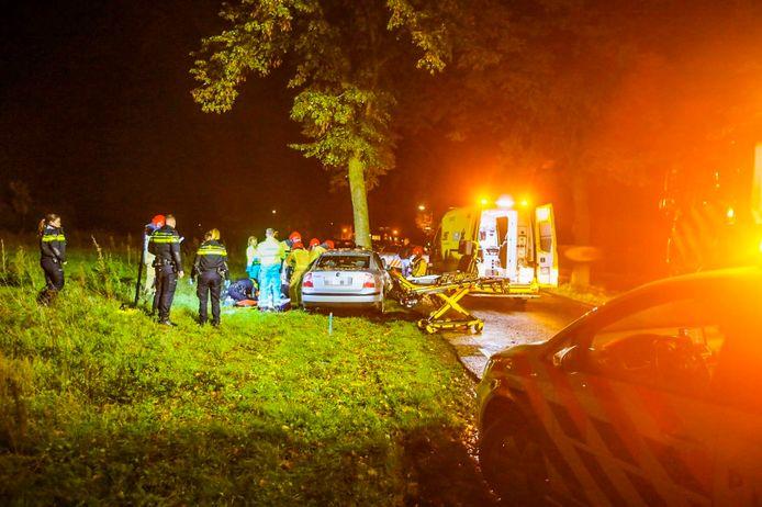 De schade na het ongeluk op de Meijelseweg in Heusden.