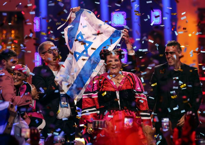 De Israëlische zangeres Netta (M) na haar overwinning op het Songfestival in Lissabon op 12 mei.