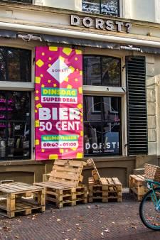 50 cent voor een biertje in Deventer: 'Iedereen snapt dat dit niet kan, dit is echt zeer onwenselijk'