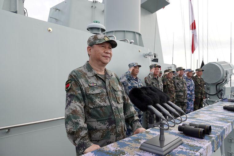 Chinees president Xi Jinping spreekt troepen toe  op een marineschip. Foto uit 2018.