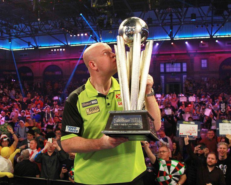 Michael van Gerwen wint voor de derde keer het wereldkampioenschap darten. Beeld EPA