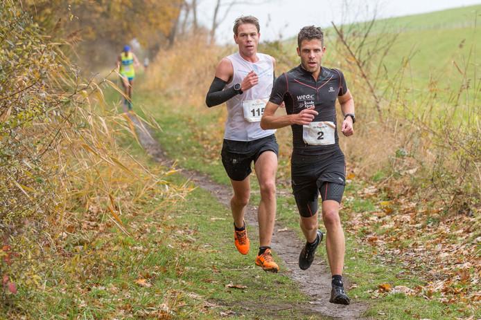 Terwijl Tim Pleijte (rechts) dit weekend de Kustloop op zijn naam schreef, was Tim van den Broeke (links) succesvol in Varsseveld.