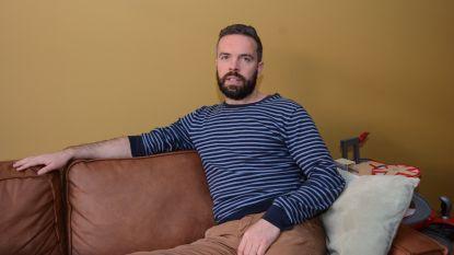 """Drie jaar geleden werd Randy (38) van voetpad gemaaid: """"Blijvend letsel, job kwijt, relatie op de klippen, maar muziek houdt me overeind"""""""