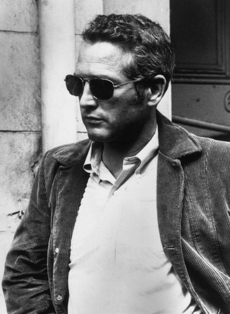 Acteur Paul Newman in een corduroy jasje. Beeld Getty Images