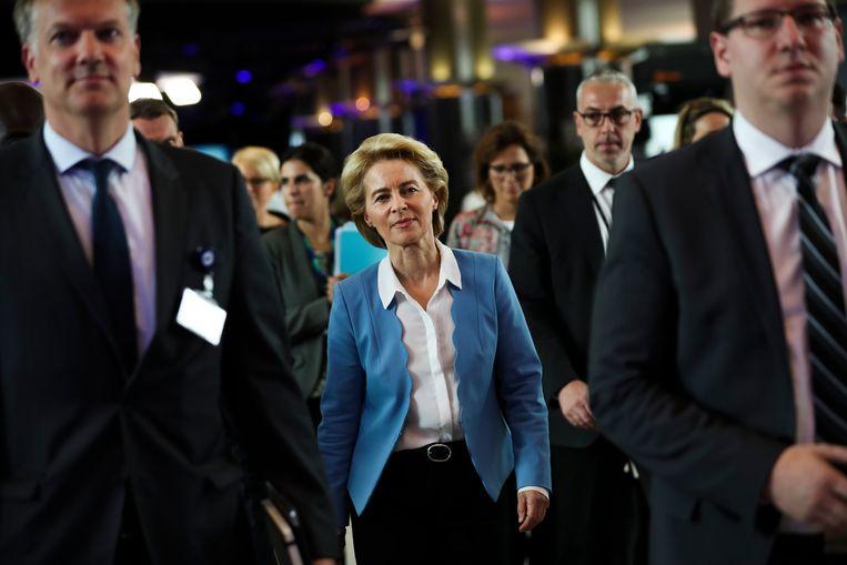 De Duitse minister van Defensie Ursula von der Leyen bezoekt woensdag het Europees Parlement in Brussel. Beeld AP