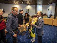Henry uit Syrië mag zich officieel Nederlander noemen: 'ik wil een café in Tubbergen openen'