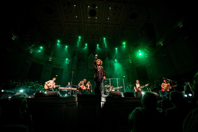 De Haagse band DI-RECT bestaat twintig jaar en viert dat in Rotterdam Ahoy met de grootste show in hun carrière.