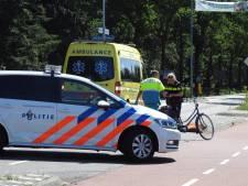 Fietsster gewond bij aanrijding met auto in Valkenwaard