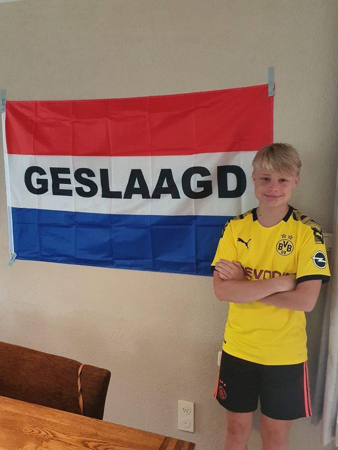 Thijs Jonkman is geslaagd voor de mavo aan de Heemgaard in Apeldoorn en gaat nu de mbo-opleiding Commercie aan het Aventus volgen.