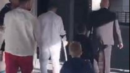 De eerste beelden van Eden Hazard op krukken: Rode Duivel hinkt door Bernabéu