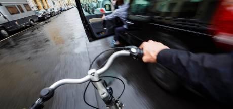 Dodehoektechniek moet botsing tussen fietsers en openstaande autodeur voorkomen