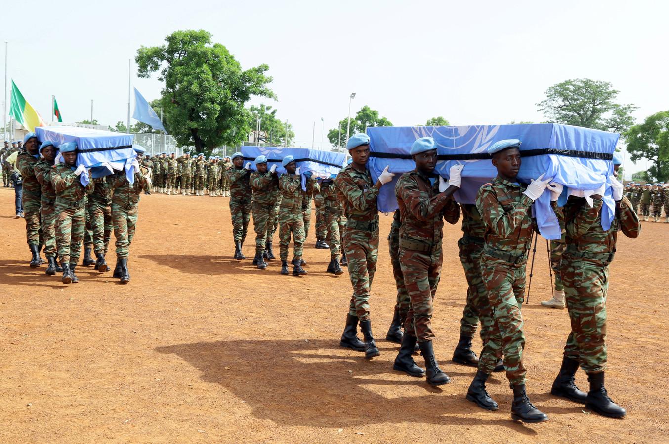 Twee jaar geleden kwamen er in Mali ook blauwhelmen om het leven door een explosie. Het ging om drie VN-soldaten uit Bangladesh.