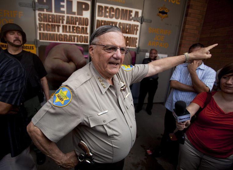 De hardste sheriff van VS krijgt gratie van Trump wij