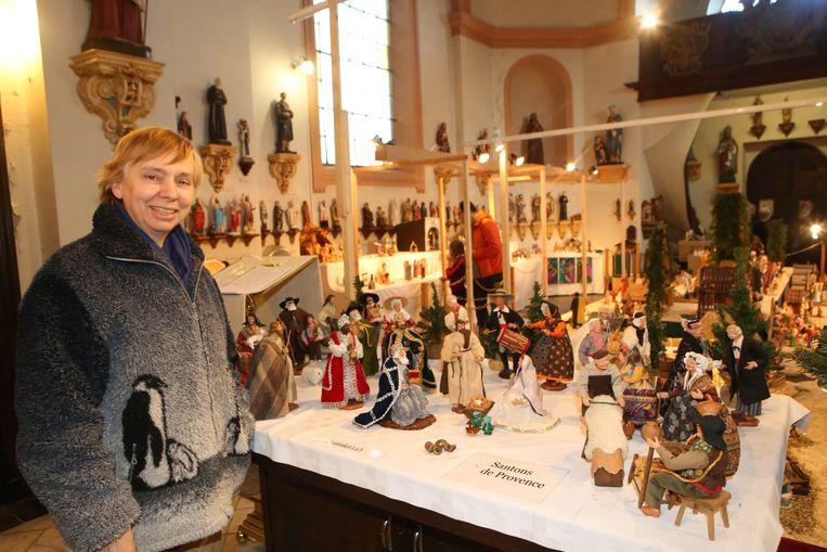 Conservator Therese Van Boxmeer toont 236 exemplaren in de Allerheiligenkapel.