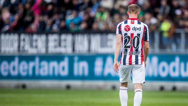 Frank van der Struijk scoorde in eigen goal. Beeld anp