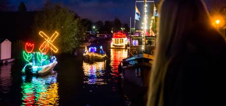 Verlichte Boten terug in haven van Lage Zwaluwe
