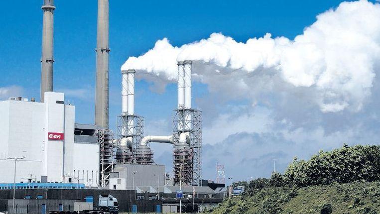 Kolencentrale op de Maasvlakte. Het sluiten van vijf kolencentrales verlaagt CO2-emissies niet, stelt de ACM. Beeld anp