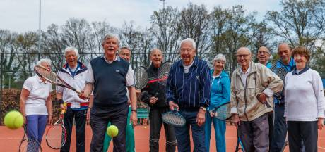 Halsterse Seniorentennisclub heeft duizend jaar tenniservaring