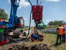 Helft van de Waaldijk tussen Lent en Andelst krijgt kunststof damwanden als versteviging