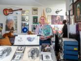 Superfan Pieter (68) heeft ruim 500 John Denver-platen: 'Grootste collectie van Europa'