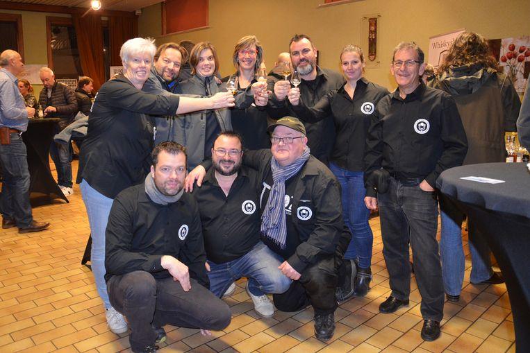 De organisatoren van TVOZ vzw tijdens het eerste 'Whisky-, Rum- en Gin Festival' in Welle.