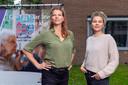 Marij de Vries (rechts) en Olga van IJzendoorn (links) zitten deze week bij de notaris voor het uitrollen van Granny Yoga over Nederland.