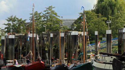 Vlootparade met nieuwe schepen tijdens Scheldefeesten