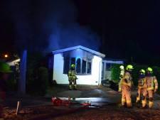 Chalet brandt uit op park in Wekerom