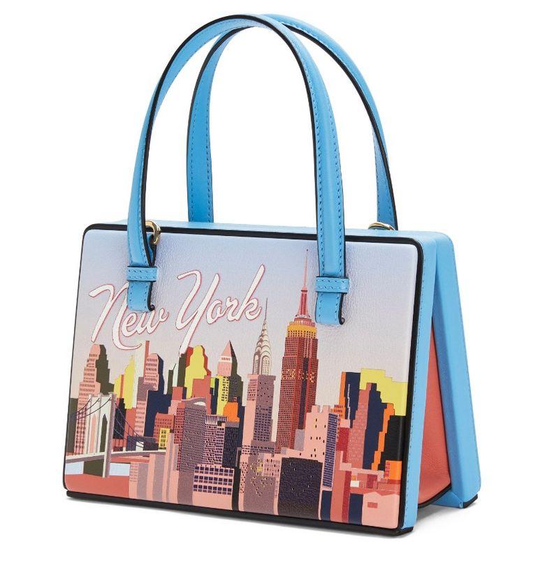 Loewe Postal Bag New York, € 1950 (te koop vanaf oktober). Beeld null