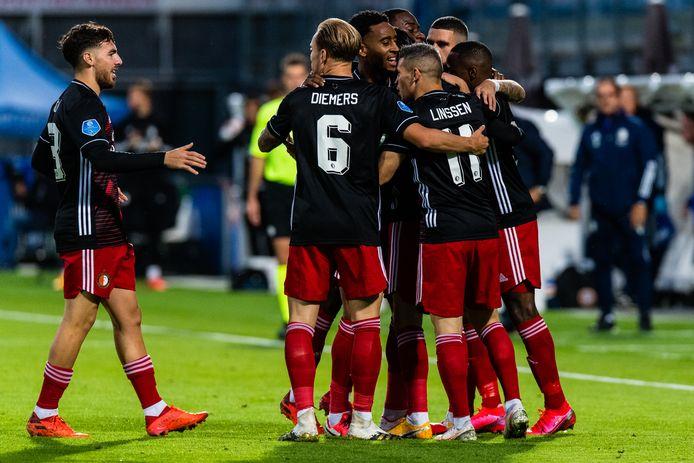 Feyenoord-spelers na de goal van Steven Berghuis.