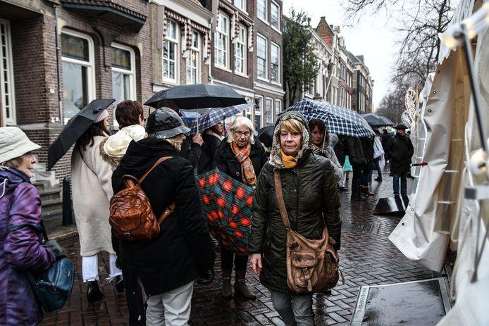 De zaterdag van de Dordtse kerstmarkt is afgelast door het slechte weer.