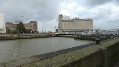 """Op één na oudste sluis van Antwerpse haven krijgt grondige make-over: """"Zo kunnen grote binnenschepen rechtstreeks landinwaarts varen"""""""