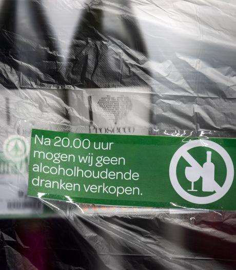 Geen alcohol vanaf 20.00 uur. Afzetlinten in de supermarkt en bierkoerier ziet omzet verdampen