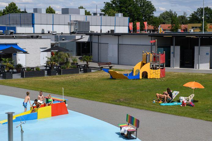 Zwembad het Aquadrome mag weer open, al is het wel een beetje behelpen door de strenge maatregelen.