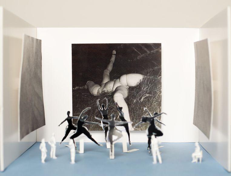 Sjarel Ex, over live-ballet in de Bodonzaal. 'De tentoonstelling moet ook vrolijkheid laten zien, joie de vivre.' Beeld null