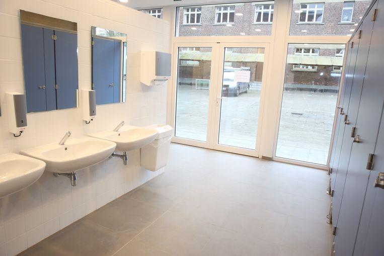 Het nieuwe sanitaire blok op de campus van het Onze-Lieve-Vrouwinstituut in Sint-Genesius-Rode.