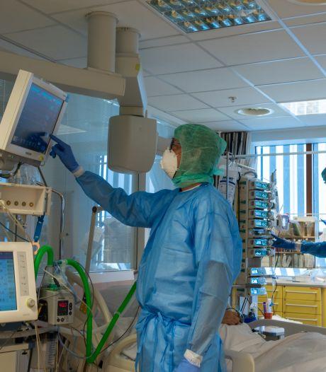 Ziekenhuizen in Oost-Nederland worstelen met extra IC-bedden voor nieuwe coronagolf: 'Mag niet ten koste gaan van reguliere zorg'