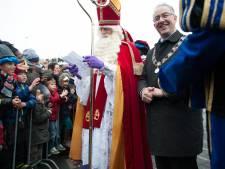 Zonnig weer tijdens intocht Sinterklaas in Rotterdam