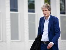 'Advocaat smokkelde brieven naar Holleeder'