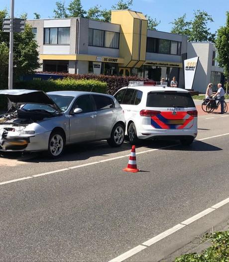 Kind en automobilist naar ziekenhuis door botsing in Uden