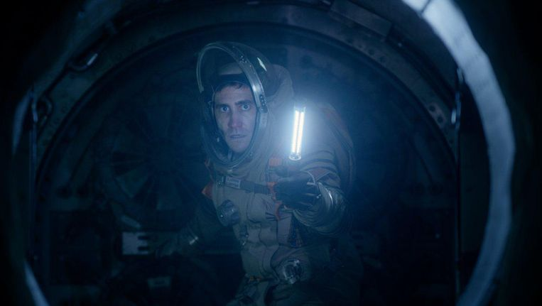 Jake Gyllenhaal in Life. Beeld