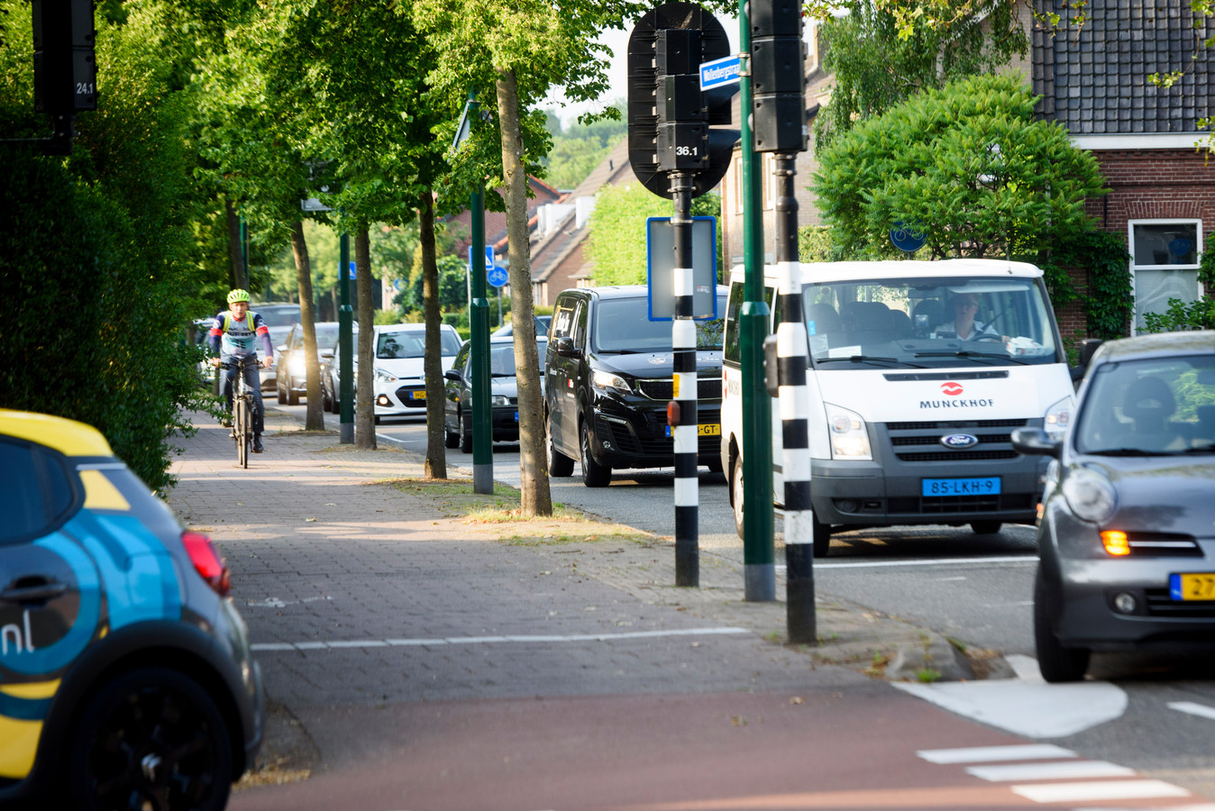 Het verkeerspunt op de hoek van de Wollenbergstraat en de Willibrorduslaan.