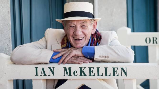 Sir Ian McKellen (81) dolblij na het krijgen van coronavaccin
