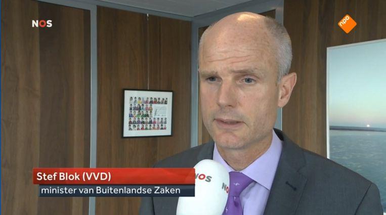 Beeld van het interview met minister Blok in het NOS Journaal, waarin hij excuses maakte voor zijn opmerkingen over de multiculturele samenleving. Beeld RV