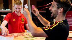 De Bruyne en Mertens leren kinderen Nederlands met speldoos