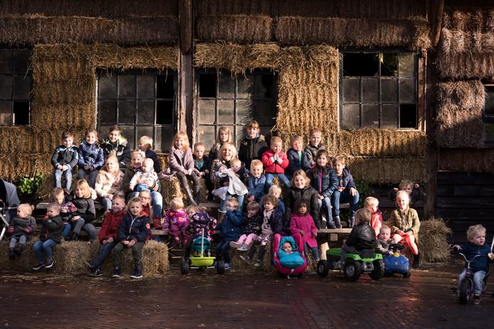 De foto Boer zoekt Vrouw van Yvon Jaspers met de kinderen. Mogelijk heeft Meierijstad hier de inspiratie vandaan.