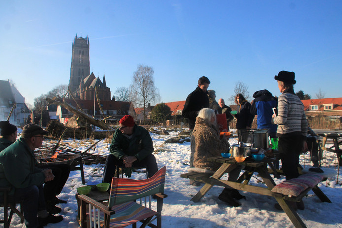 In de TorenTuin in Zaltbommel staat op zaterdagochtend 24 februari het snoeien van de fruitbomen gepland.