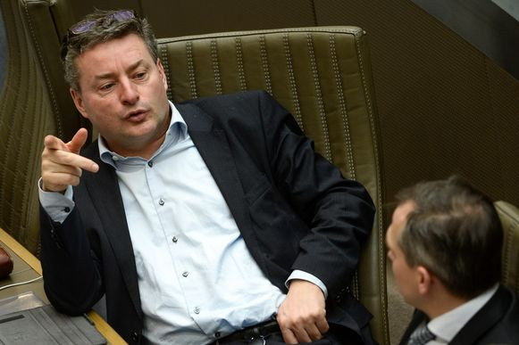 CD&V-fractieleider Koen Van den Heuvel (l.) naast N-VA-fractieleider Matthias Diependaele.
