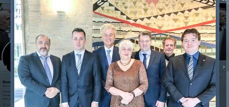 Geert Wilders toont zijn Arnhemse PVV-kandidaten